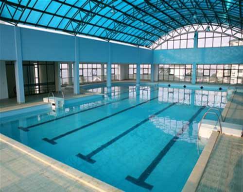 Xây dựng bể bơi với thiết kế mái che
